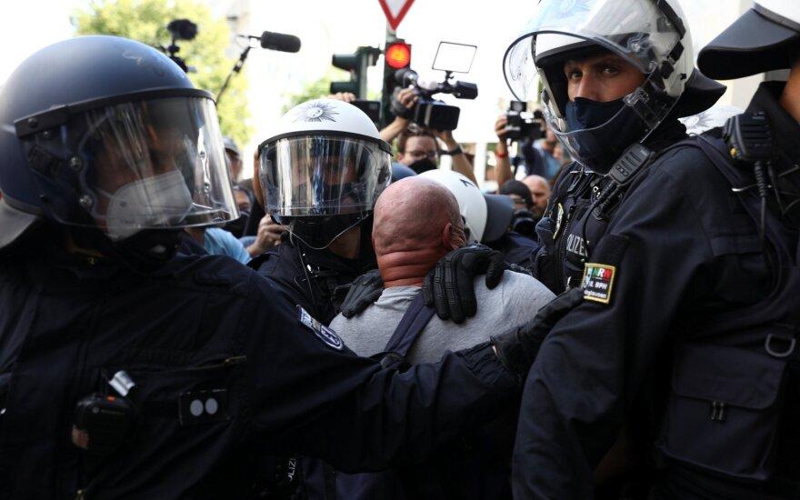В Берлине полиция разогнала акцию против COVID-ограничений перед ее началом