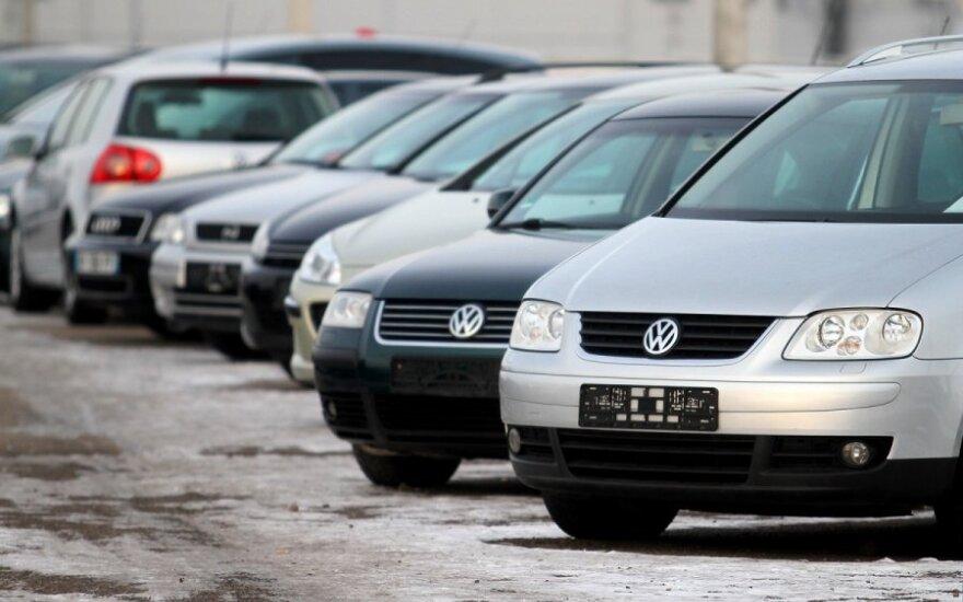 Налог на автомобиль заставит снимать с учета транспортные средства