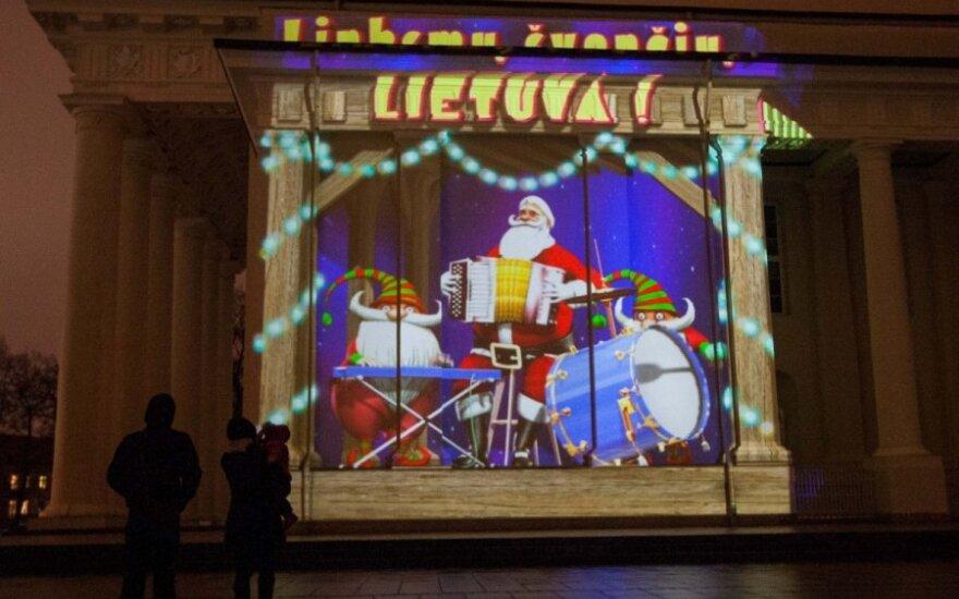 Рождественская проекция в формате 3Д каждый вечер привлекает множество людей