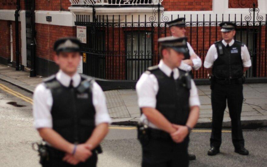 Julianas Assange'as Ekvadoro ambasadoje
