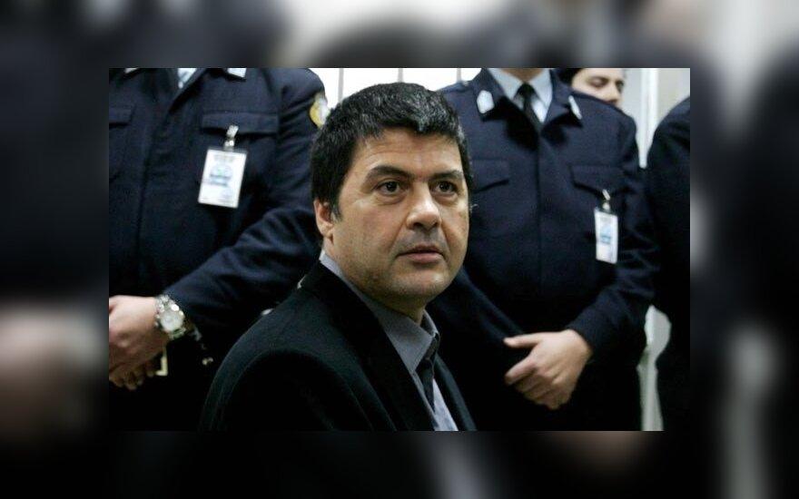 Греция: сбежал осужденный на шесть пожизненных сроков террорист