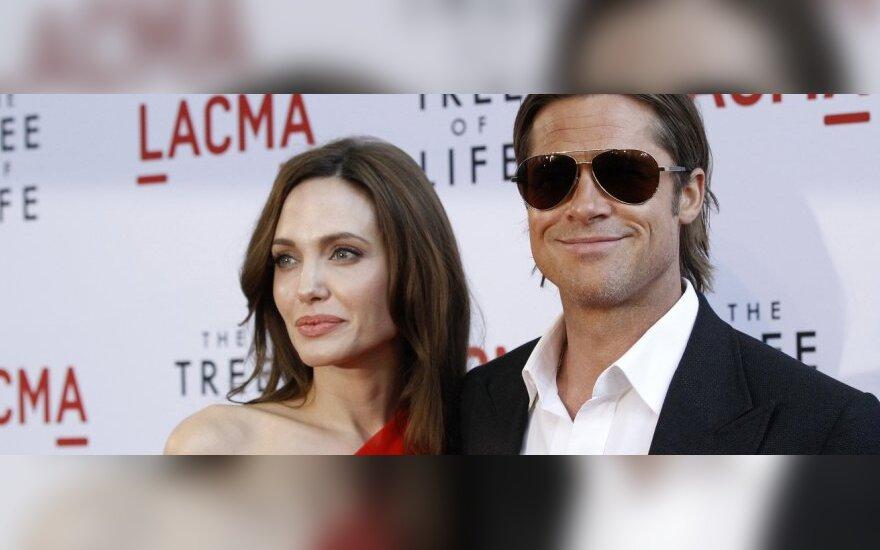Анджелина Джоли заподозрила Брэда Питта в измене