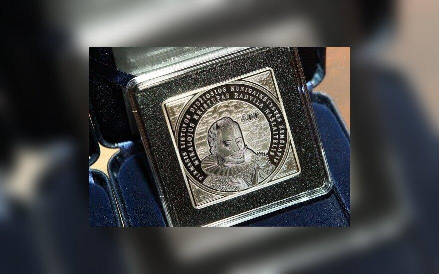 В Литве выпустили четырехугольную монету