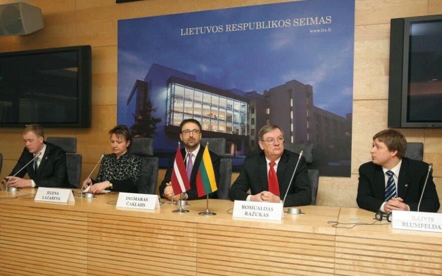Латвийские депутаты в Литве: референдум - неприятный процесс