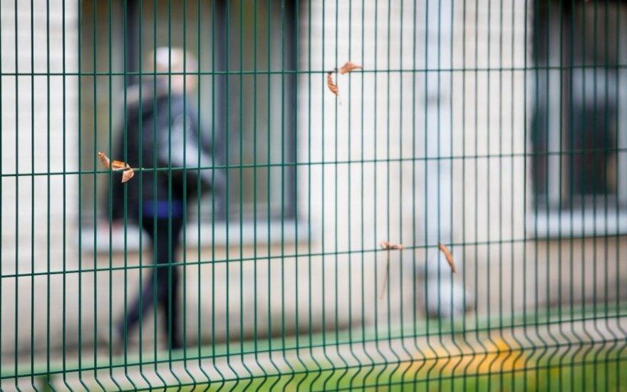 """Как вильнюсская школа просила проживающих в Литве россиян """"придержать"""" детей"""