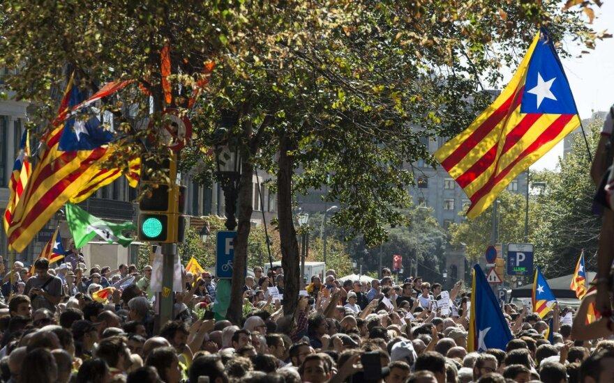 "СМИ сообщили, что суд в Испании снял с каталонцев обвинение в ""мятеже"""
