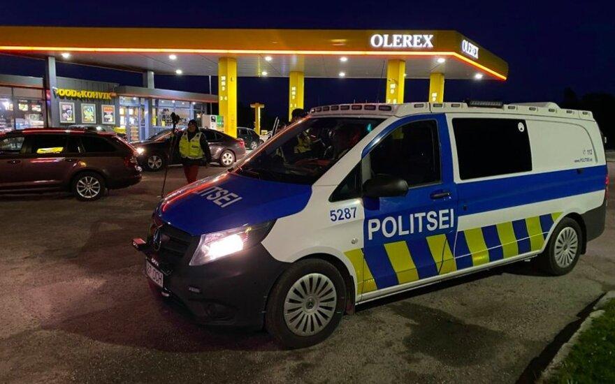 В Эстонии на автозаправке мужчина застрелил двух человек, пострадавшие дети — в тяжелом состоянии