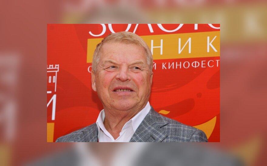 В 73 года Михаил Кокшенов женится на миллионерше