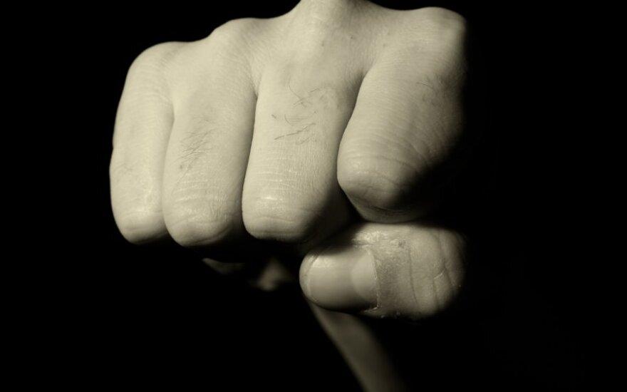 В Игналине подростки жестоко избили 16-летнего юношу
