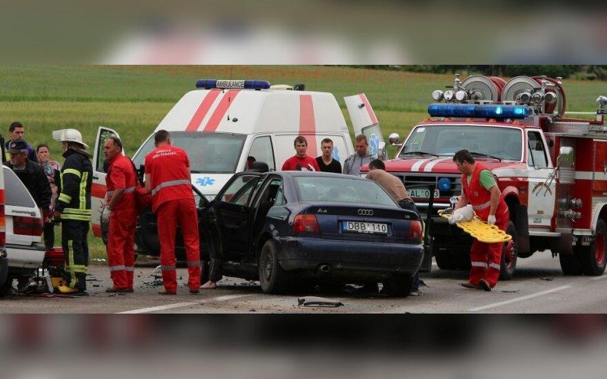 В Лаздийском районе - лобовое столкновение автомобилей