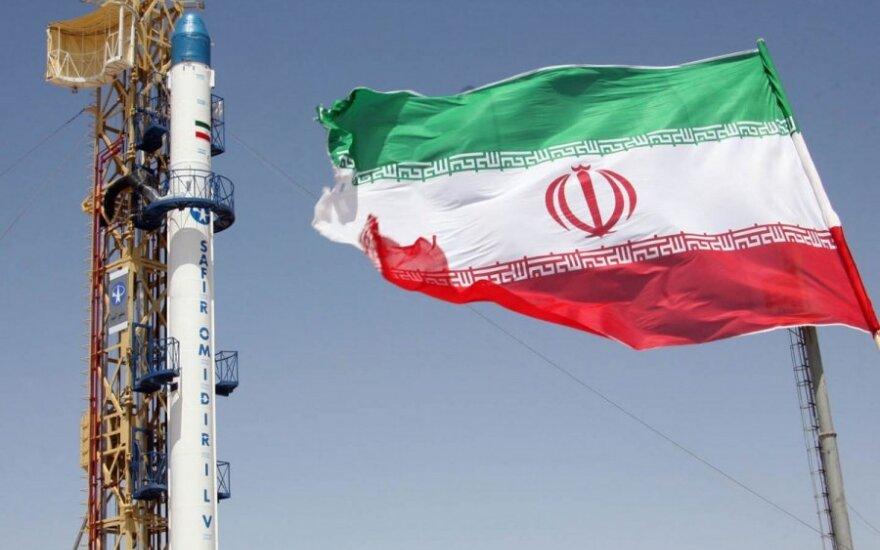 Иран рапортовал об успешных испытаниях баллистической ракеты большой дальности