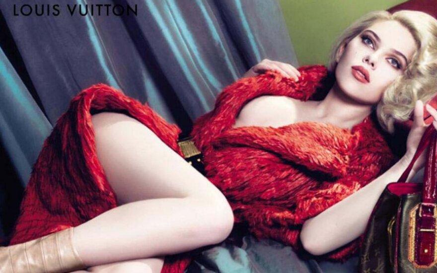 Scarlett Johansson flirtuje z mężami
