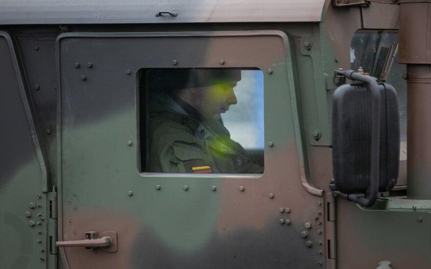 В Кедайняйском районе можно увидеть военную технику - идут съемки фильма