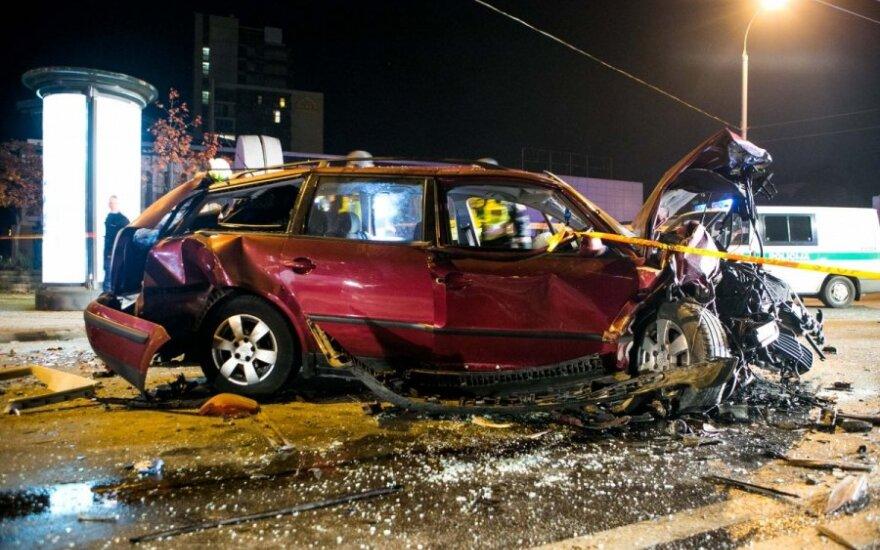 В Вильнюсе столкнулись три автомобиля