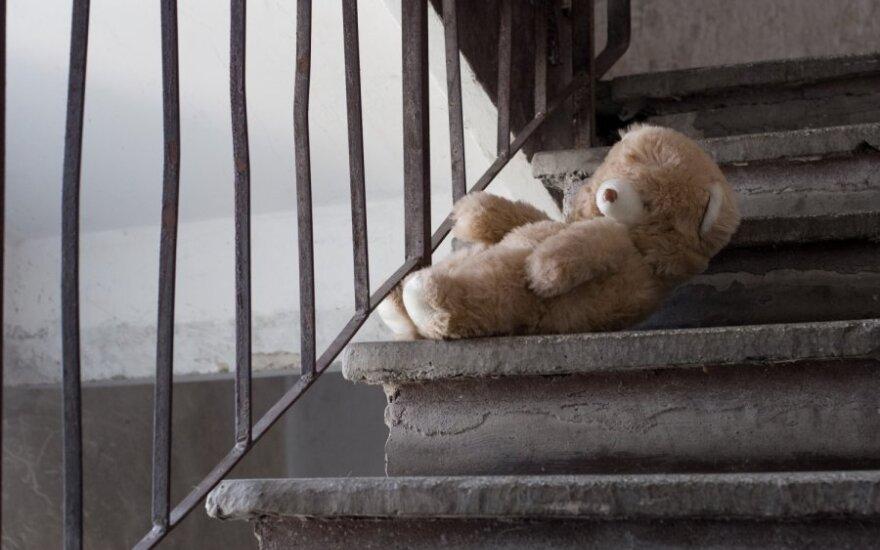 Пропавшая в Тракайском районе малолетняя девочка найдена у 29-летнего друга