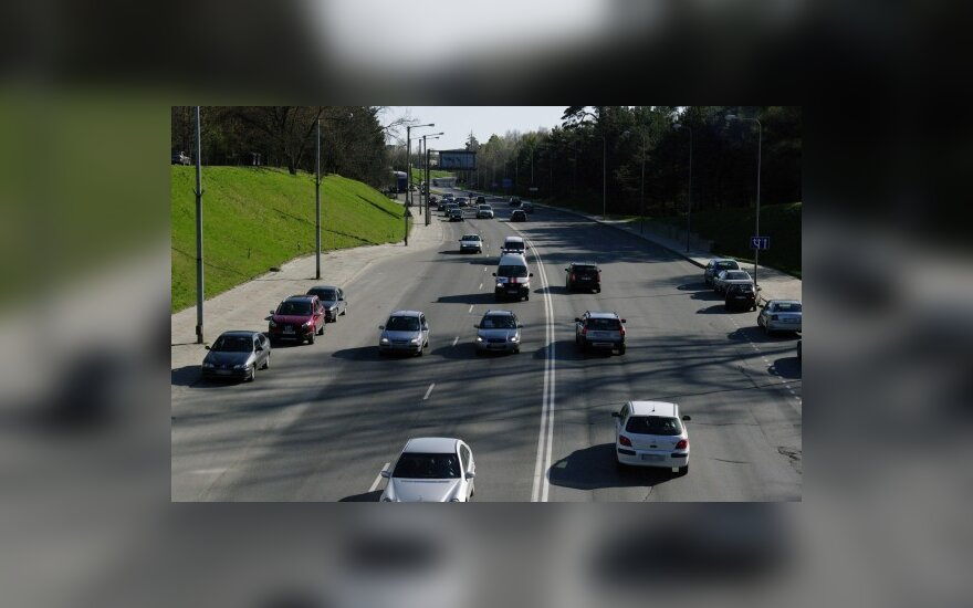 Ученый: налог на автомобили неизбежен