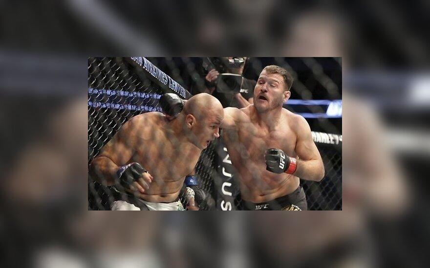 ВИДЕО: Чемпион UFC в тяжелом весе защитил свой пояс нокаутом