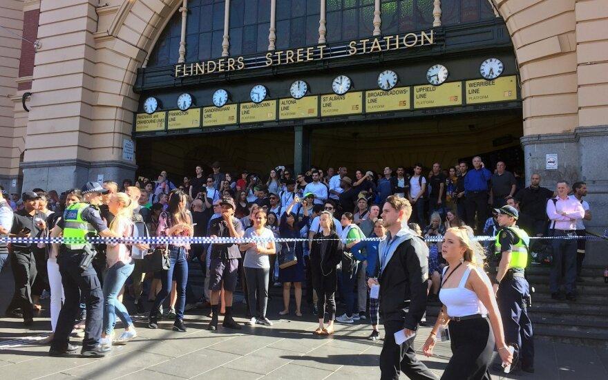 В Мельбурне внедорожник врезался в толпу людей: водитель задержан
