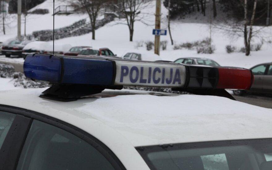 Пьяный беглец нанес травмы полицейским и повредил полицейский автомобиль