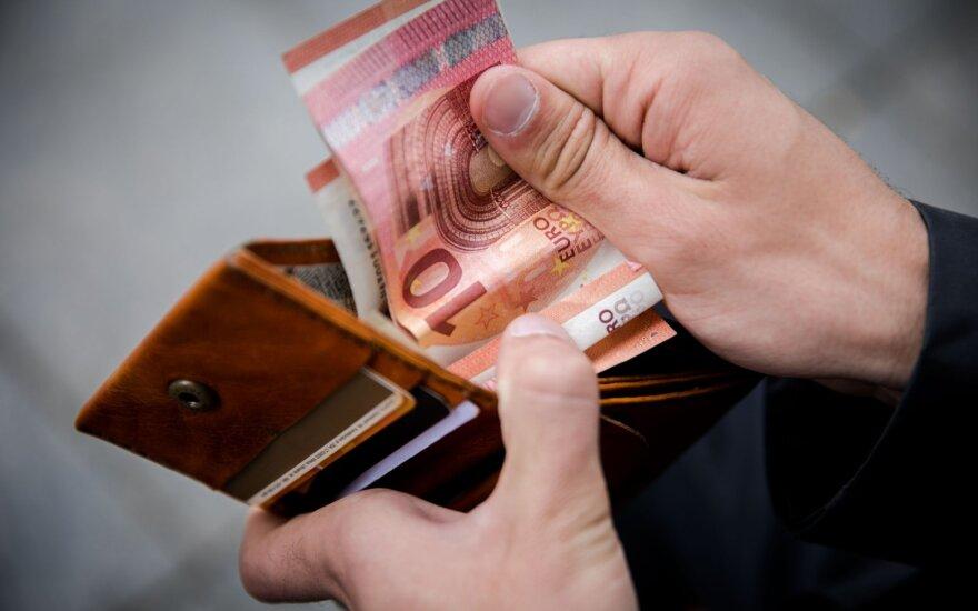 С 1 августа должники в Литве могут вздохнуть свободнее: меняются расценки приставов