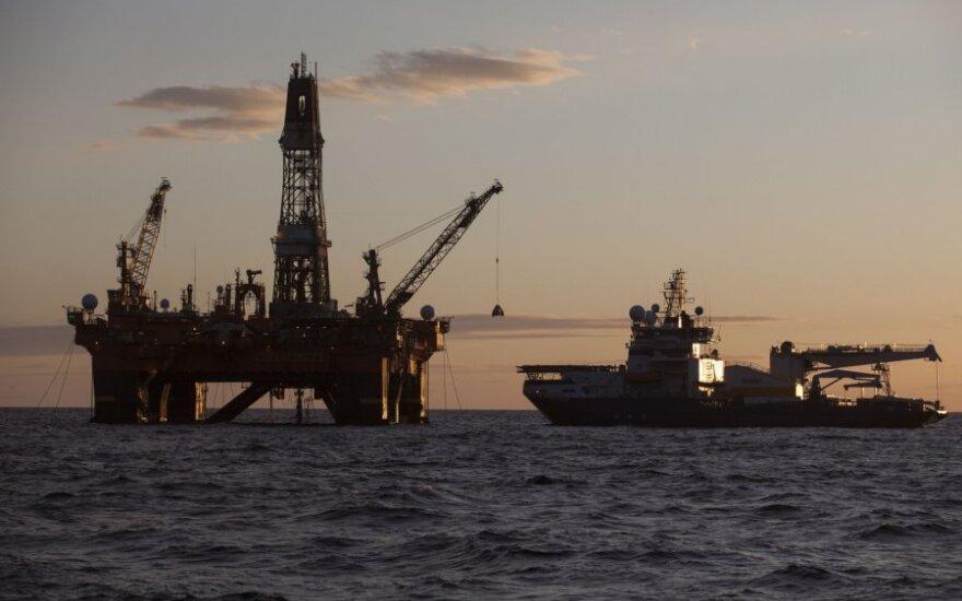 Россия обсудит с ОПЕК снижение добычи нефти