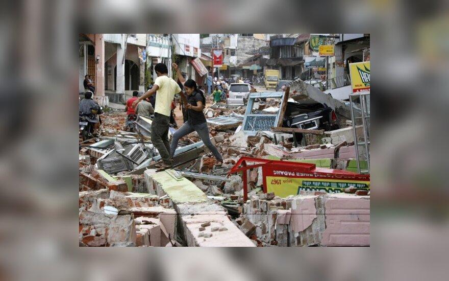 Землетрясение в Индонезии убило 1100 человек