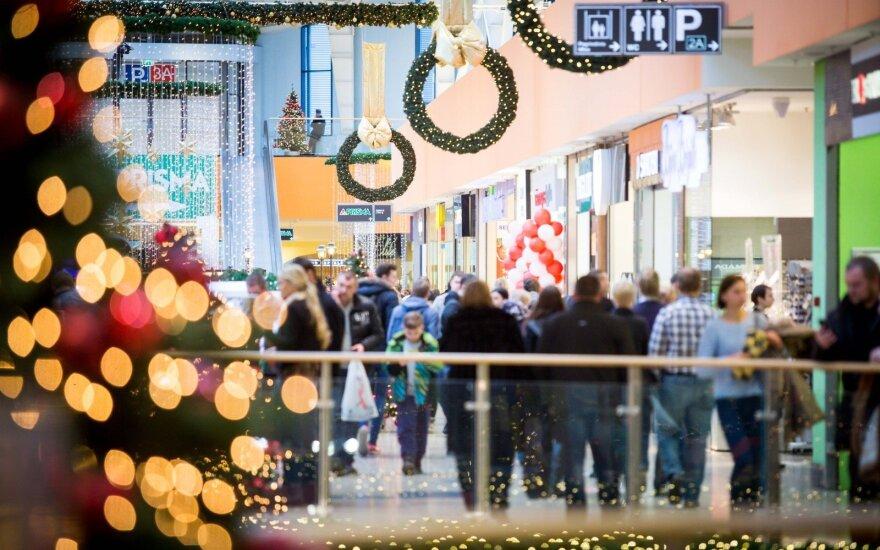 В Вильнюсе посетителям торгового центра публично показывали порнографию