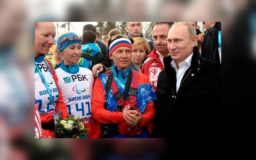Путин пообщался с паралимпийцами и пообещал чемпионам машины