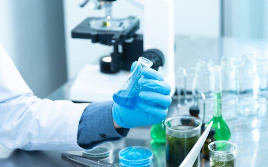 Мэр Расейняй сообщает о нехватке лабораторных средств для проведения тестирования