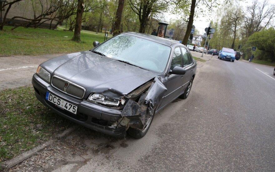В Вильнюсе пострадала ехавшая на мотоцикле девушка