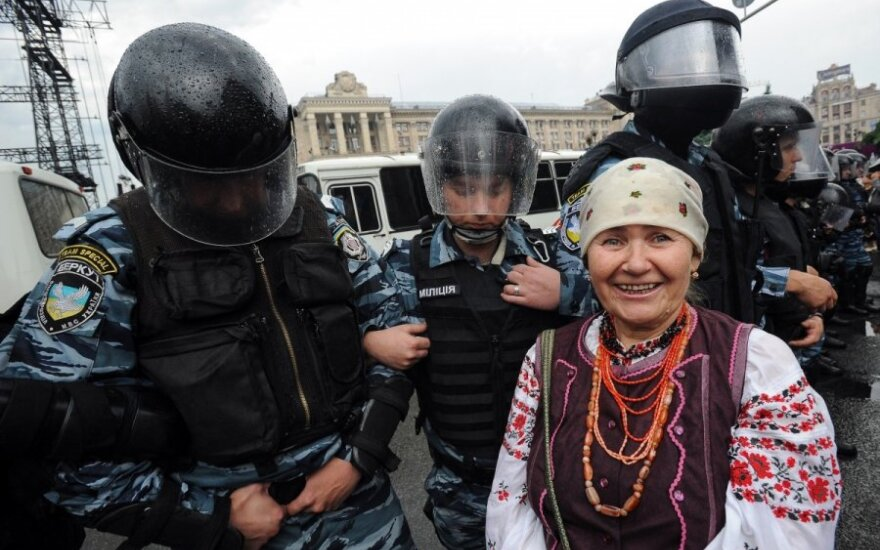 W Kijowie wznowiły się starcia protestujących z milicją