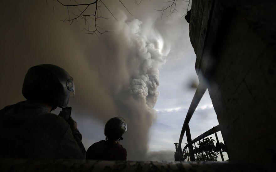 На Филиппинах из-за вулкана эвакуированы тысячи человек