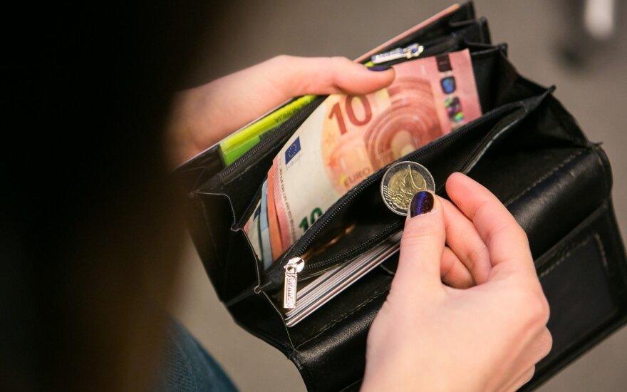 Налоги в Литве работники платят и посмертно