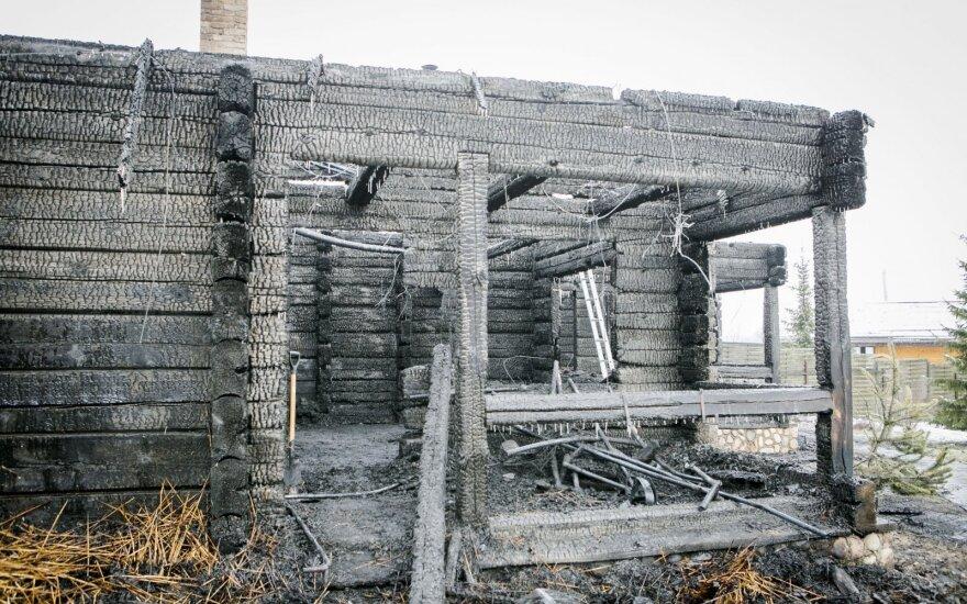 Ночью рядом в Вильнюсом сгорела баня ресторана HBH