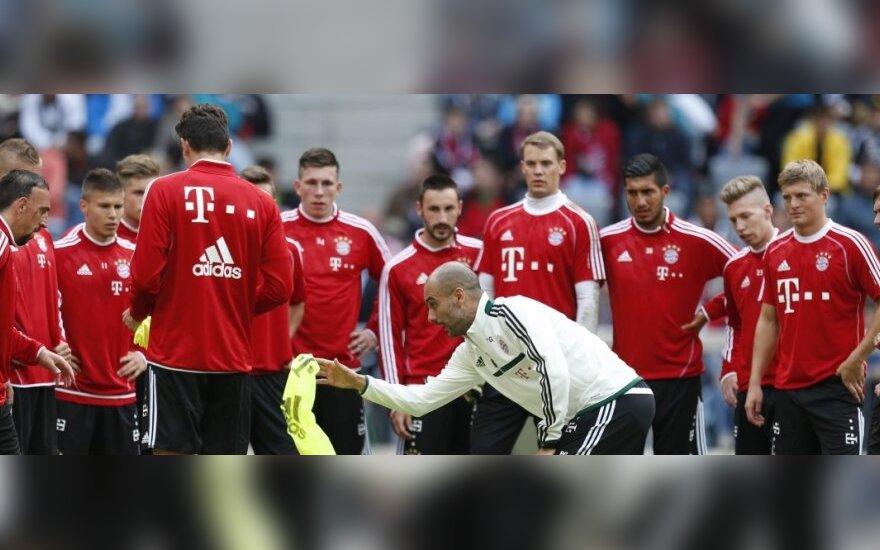 """Josepas Guardiola """"Bayern"""" klubo treniruotėje"""