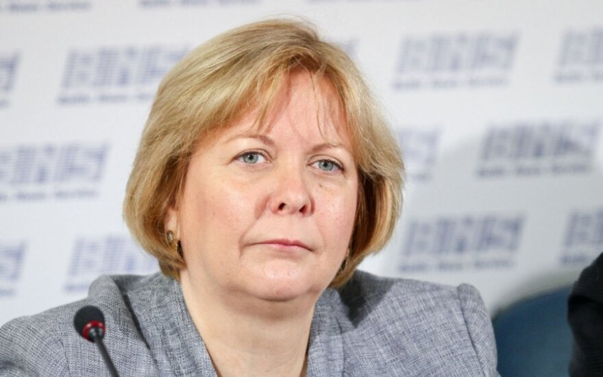 В Литву прибыла новый посол США Энн Холл