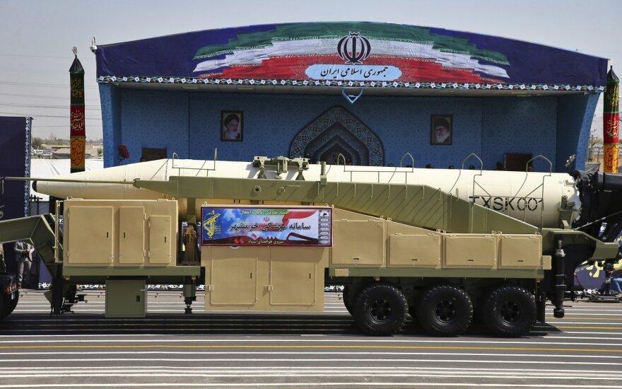 Иран вышел из ядерной сделки и грозит США военным ударом