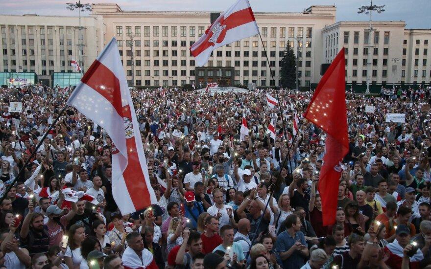 США и ЕС призвали власти Беларуси прекратить запугивание населения