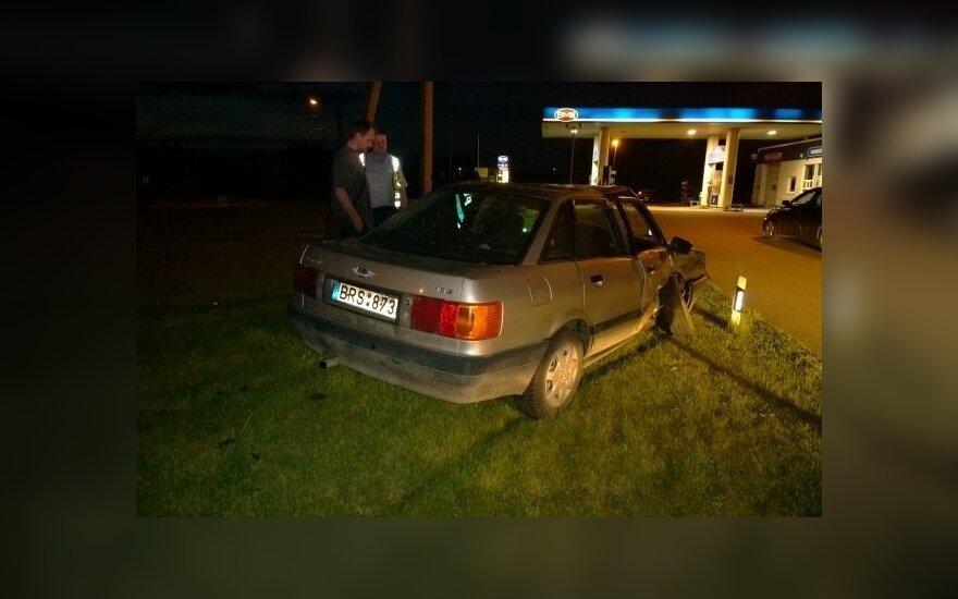 Виновник аварии скрылся, другой водитель был нетрезв