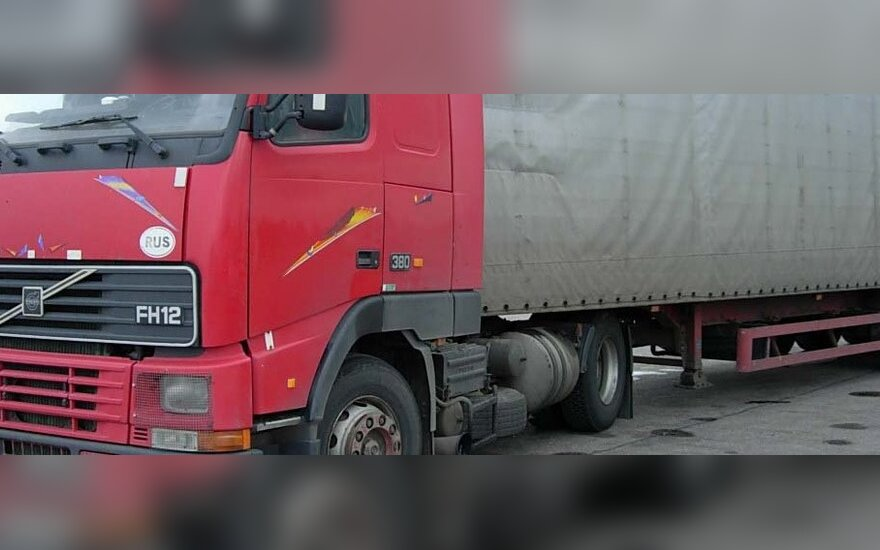 В Мариямполе в тягаче обнаружили труп водителя