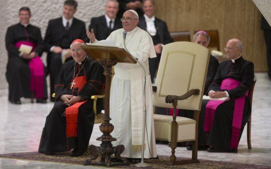 Papież przestrzega przed legalizacją narkotyków