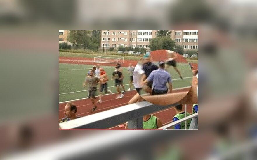 На футбольном матче в России устроили массовое побоище