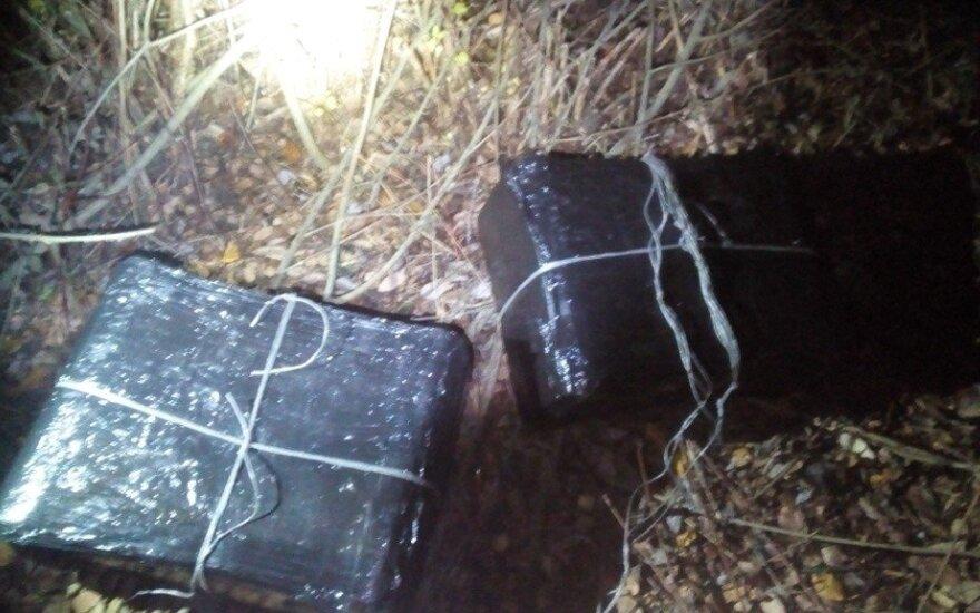 У железной дороги пограничники обнаружили контрабандные сигареты