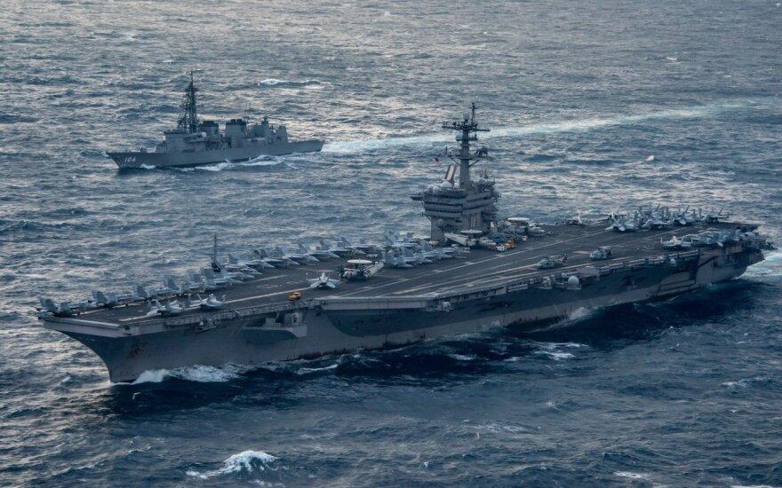 "Lėktuvnešis ""USS Carl Vinson"""
