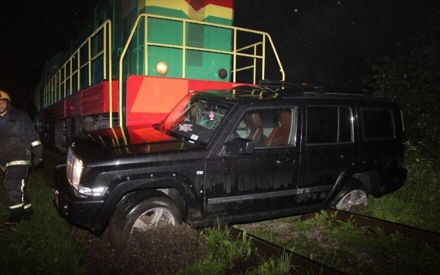 В Таллине поезд столкнулся с внедорожником