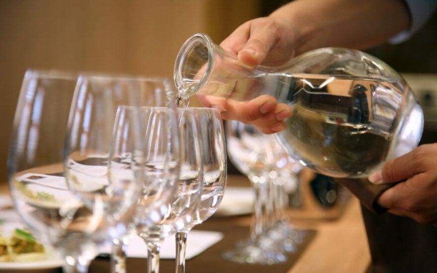 Борьба с алкоголем в Литве обернулась против баров