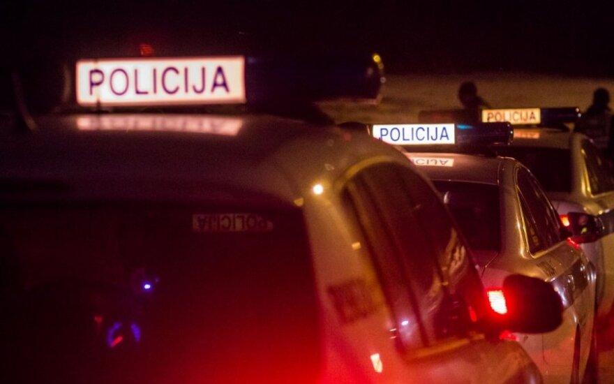 В Тельшяйском районе в автомобиле был зажат человек