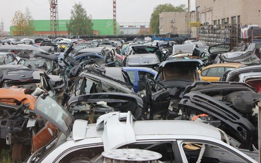 Automobilių laužas