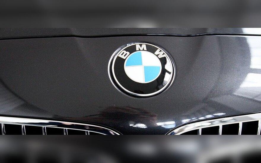 Новые BMW увидят пешеходов в темноте за 100 м
