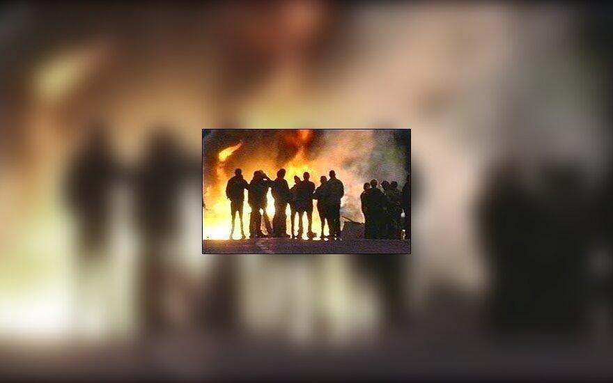 W Belfaście po atakach na Polaków spalono salon piękności należący do Litwinki